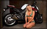 2010 Kawasaki Z1000, Bikes & Girls, Girl in Bikini