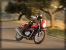 Triumph Thruxton on the Road, Red